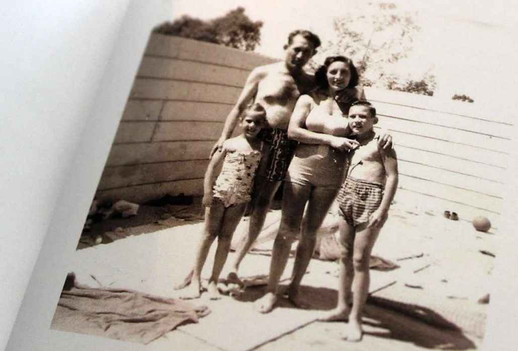 Misia Nudler with her family in Clear Lake in 1954